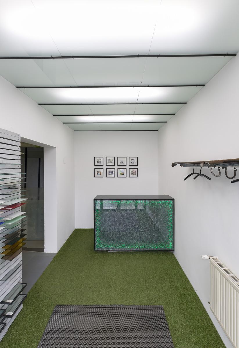 empfangstisch aus glas 1100 wien saurer glas. Black Bedroom Furniture Sets. Home Design Ideas